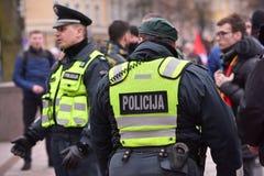 Oficiales de policía de servicio, Vilna Imagen de archivo libre de regalías
