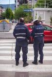 Oficiales del tráfico en el camino Imagenes de archivo