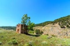 Oficina abandonada de las telecomunicaciones de los hombres de Las del pueblo fantasma Imagenes de archivo