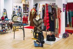 oficina costureira oficina para a roupa das mulheres foto de stock royalty free