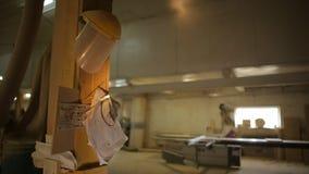 Oficina da carpintaria para a fabricação de produtos de madeira, espaço da cópia, woodworking video estoque