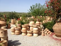 Oficina da cerâmica na ilha da Creta em 2015 foto de stock royalty free