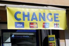 Oficina de intercambio de dinero Imágenes de archivo libres de regalías