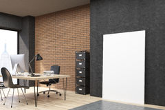 Oficina de New York City con el cartel vertical cerca de la pared negra stock de ilustración