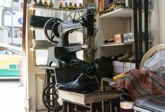 Oficina de reparações velha da sapata Foto de Stock Royalty Free
