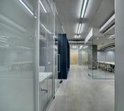 Oficina en estilo del desván imagen de archivo