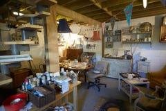 Oficina home com materiais do ofício foto de stock royalty free