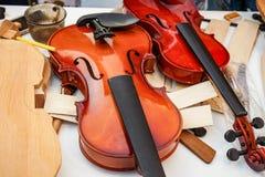 Oficina para a produção e o reparo dos violinos imagens de stock