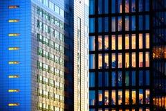 Oficinas de Night Foto de archivo libre de regalías