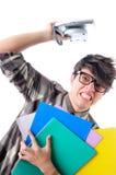 Oficinista nerdy furioso, aislado en blanco fotos de archivo
