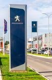 Oficjalny przedstawicielstwo handlowe znak Peugeot firma obraz stock