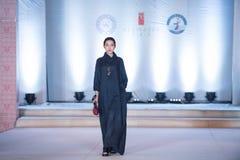 ofIntellectual skönhet-mode för Trettio-tredje serie show Fotografering för Bildbyråer