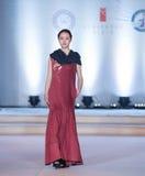ofIntellectual skönhet-mode för Trettio-tredje serie show Arkivfoto