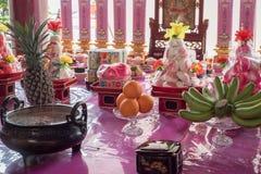Ofrecimiento sacrificatorio en el alcohol chino Festival01 del festival de fantasma Foto de archivo libre de regalías