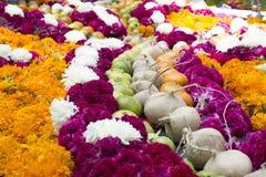Ofrecimiento tradicional a los muertos en México Imagen de archivo libre de regalías