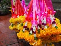 Ofrendas de la flor en Sukhothai Tailandia Imagen de archivo