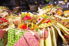 Ofrendas a dioses en Bali Imagenes de archivo