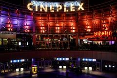 Ogólnoludzki Cineplex lokalizować przy Ogólnoludzkim miastem w Orlando, Floryda Obrazy Stock