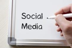 Ogólnospołeczni środki pisać na whiteboard Zdjęcia Stock