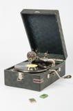 Ogólny widok gramofon, kłamstwo obok pudełka z gramofonowymi igłami Zdjęcie Royalty Free