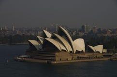 Ogólny widok Ikonowa Sydney opera od Sydney brzęczeń Zdjęcie Stock