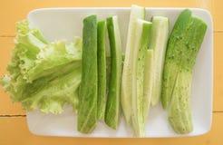 ogórkowej plasterek diety karmowa świeża zieleń, zdrowy składnik zdjęcie stock