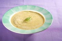 ogórkowy koperkowy zupny weganin obrazy royalty free