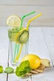 Ogórkowy miękki napój z cytryną Zdjęcia Stock