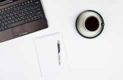 Oggetti business su un fondo o su uno scrittorio bianco Fotografie Stock