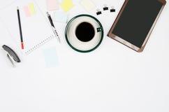 Oggetti business su un fondo o su uno scrittorio bianco Fotografia Stock Libera da Diritti