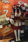 Oggetti da collezione del NFL su esposizione nell'esperienza di Times Square, Ne del NFL fotografia stock