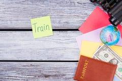 Oggetti di viaggio e concetto del treno Immagini Stock Libere da Diritti