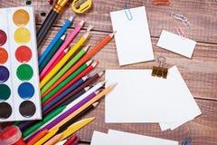 Oggetti per la creatività dei bambini immagini stock libere da diritti