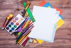 Oggetti per la creatività dei bambini immagini stock