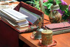 Oggetti rituali per la rana pescatrice di buddist Immagini Stock