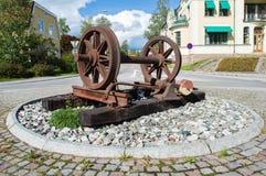Oggetto ferroviario nella rotonda di Nora, Svezia immagini stock