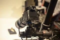 Oggetto professionale della fucilazione della macchina fotografica digitale in studio Immagini Stock Libere da Diritti