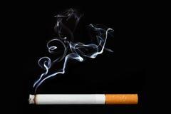 Oggetto sul nero - sigaretta Immagini Stock Libere da Diritti