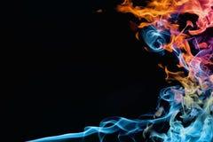 Ogień i dym obraz stock