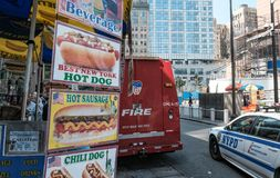 Ogień i NYPD pojazd widzieć przy punktem zerowym wybuchu, Nowy Jork miasto zdjęcia royalty free