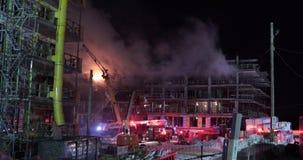 Ogień pali budować w budowie zbiory