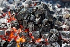 Ogień, pali węgla zakończenie up fotografia royalty free