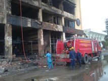 Ogień Wykonujący budynek obrazy royalty free