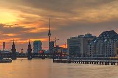 Ogień w niebie nad Berlin Obraz Royalty Free