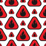 Ogieni płomieni niebezpieczeństwa bezszwowy wzór z czerwienią i pomarańczowym blaskiem ilustracji