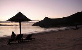 Oglądać tropikalnego wyspa wschód słońca obraz stock