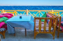 Ogląda morze od kawiarnia tarasu, Dahab, Synaj, Egipt obraz stock