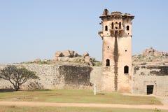 Ogląda wierza królewska fortu Zenana klauzura przy Hampi fotografia stock