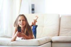 oglądanie telewizji dziecka Zdjęcie Stock
