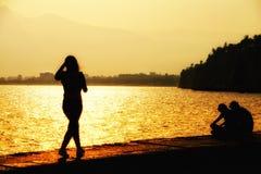oglądanie zachodu słońca Zdjęcia Stock